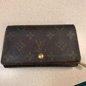 Louis Vuitton Porte Tressor wallet